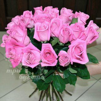 buket-iz-rozovykh-roz